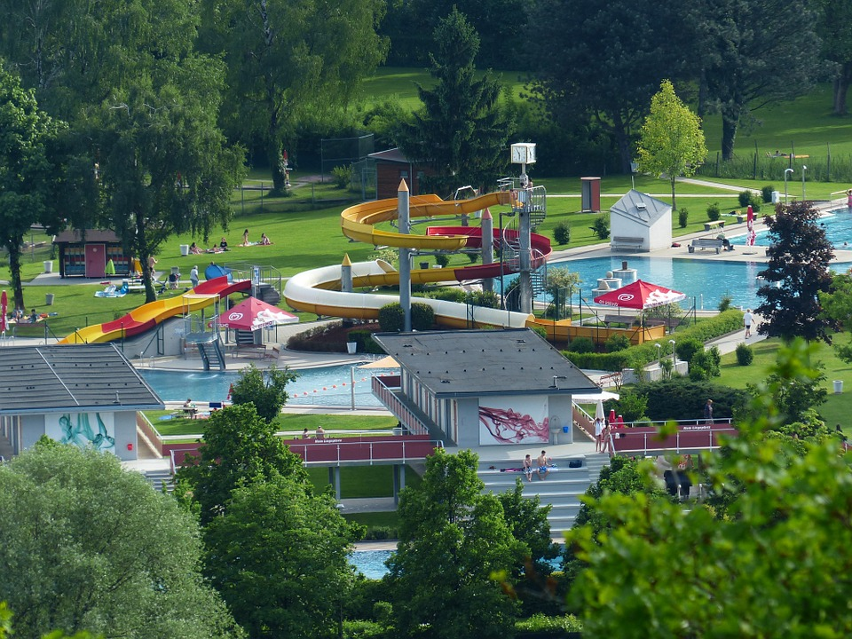 hotellerie de plein air avec parc aquatique